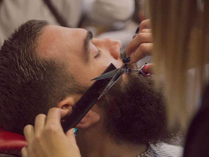 Immagine di barba modellata a forbice