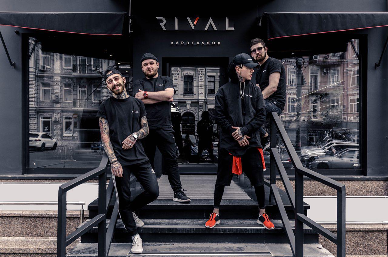 Foto di gruppo dei Rival Barbershop
